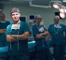 Dr-Polo-Cirujano-de-mano-012
