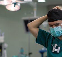 Dr-Polo-Cirujano-de-mano-0143