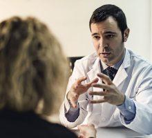 Dr-Polo-Cirujano-de-mano-020